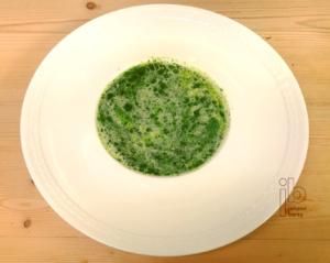 Johann Barsy kocht Kräutl-Suppe